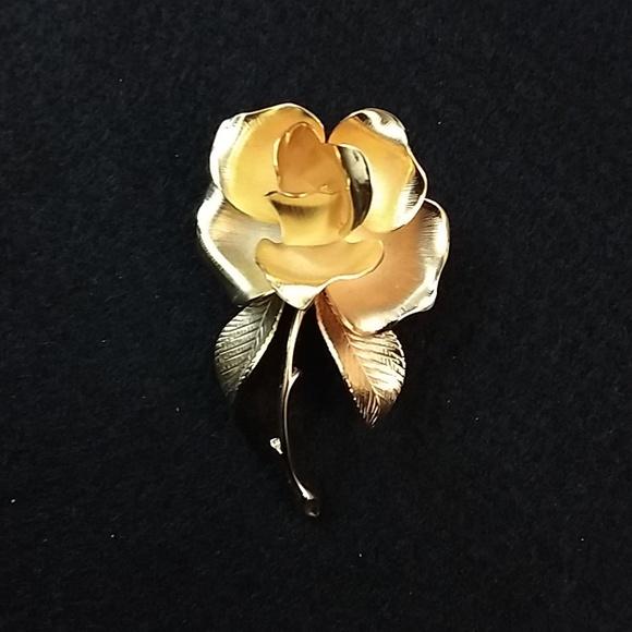 Jewelry - Rose pin